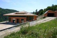 Maison d'habitation construite en brique de terre cuite R37 en fin de construction - Les Ollières (Ardèche) en 2005